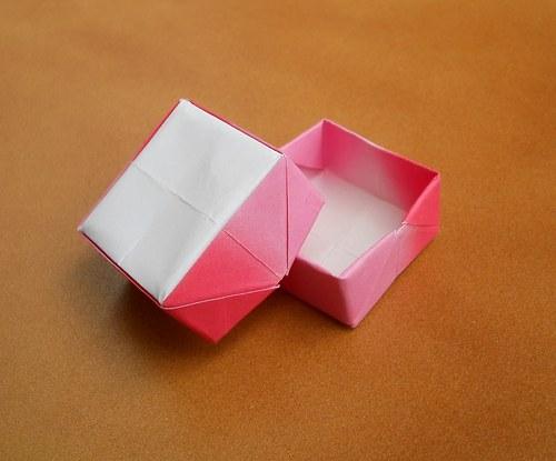 Origami krabička dorůžova