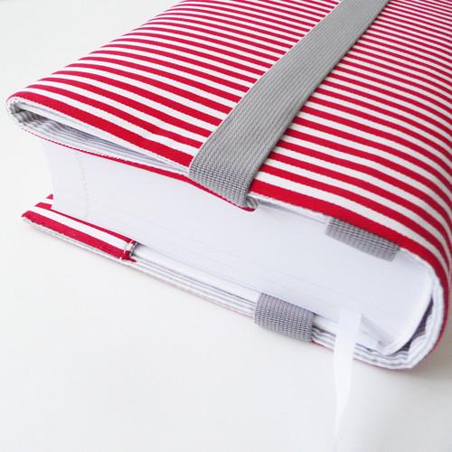 :: vytuněný obal na knihu :: větší :: červená