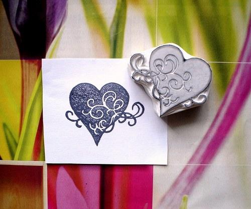Srdce plné ornamentů... Omyvatelné razítko.