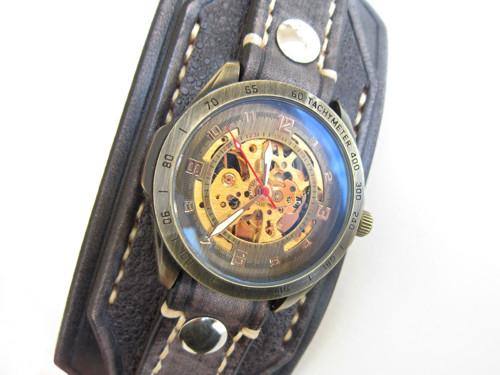 Kožený hodinky, pánské hodinky, kůže, černá kůže,