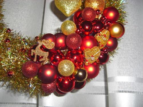 Vianočný veniec-zlato-červený