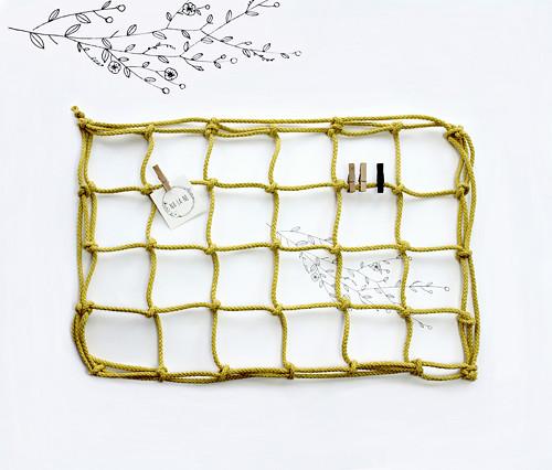 Nástěnka žlutá mini- lněná síť