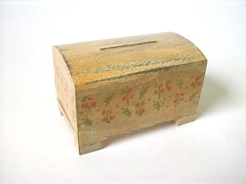 SLEVA Dřevěná kasička patinovaná...no.180