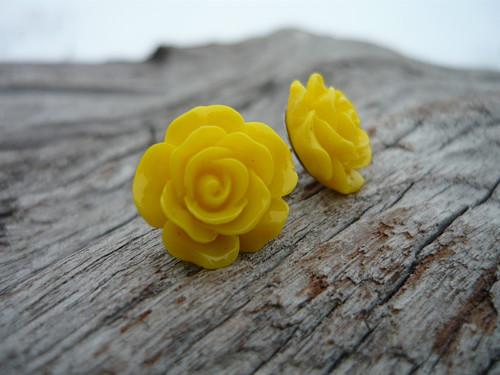 Náušnice Růžičky Žluté napichovačky