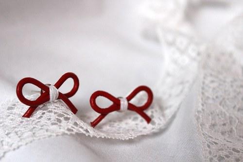 Mašličky - červené s bílým středem
