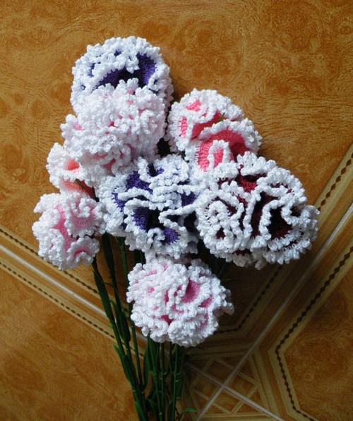 sváteční kytice karafiátů
