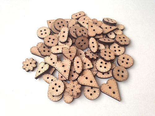 Dřevěné knoflíky 10ks