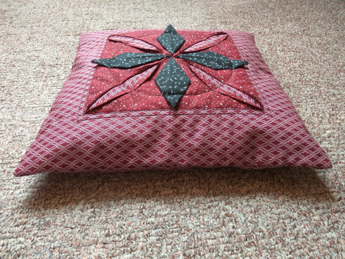 Patchworkový povlak na polštář Leknín