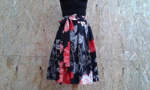 Skládaná sukně z bavlněného saténu