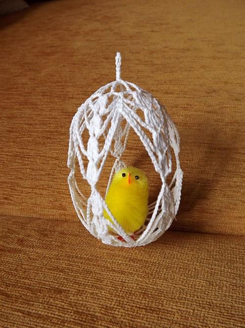 prostorové háčkované vejce s kuřetem