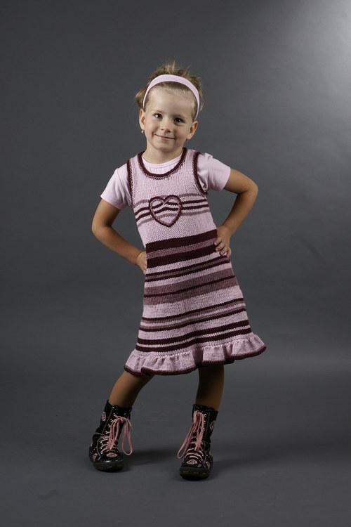 Popis - návod pletené dětské šaty Hippie