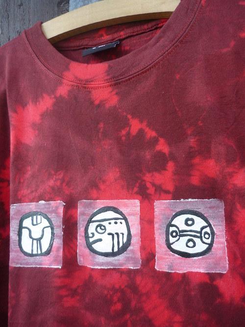 Červené pro kluky - mayské znaky