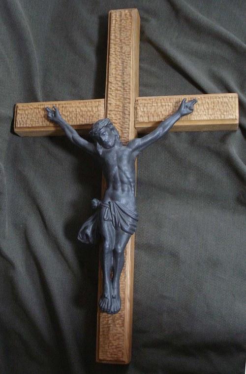 litinový Ježíš Kristus nakříži
