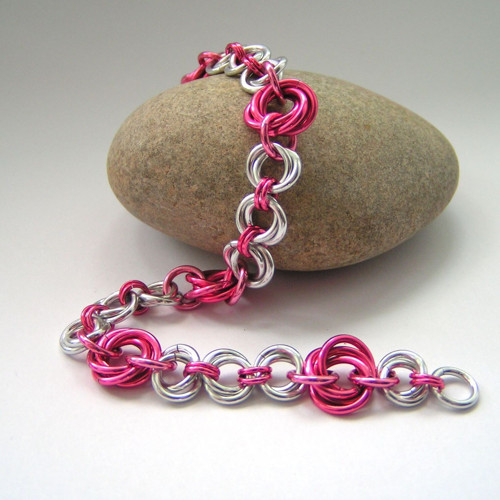 Uzlíky růžové - náramek