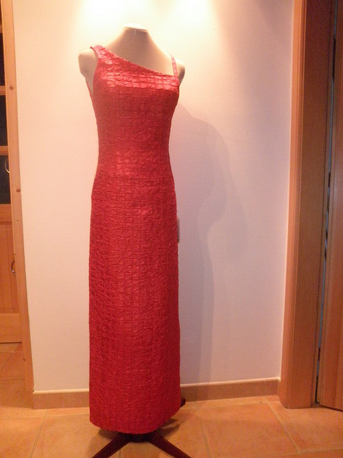 Dlouhé červené společenské šaty 668-vel.40