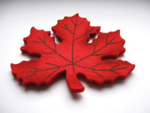 Výsek z plsti - javor červený 10cm (1ks)