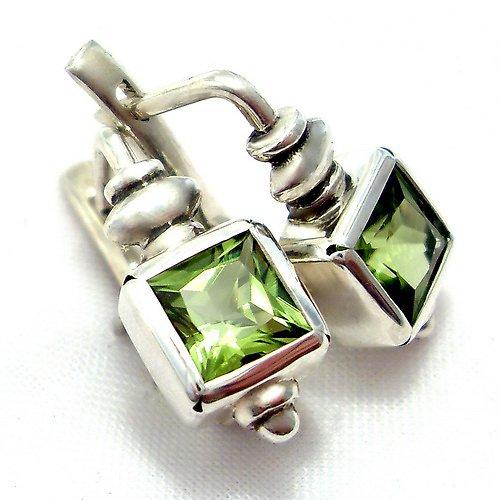 Náušnice «Čtverec» - stříbro 925/1000, olivín