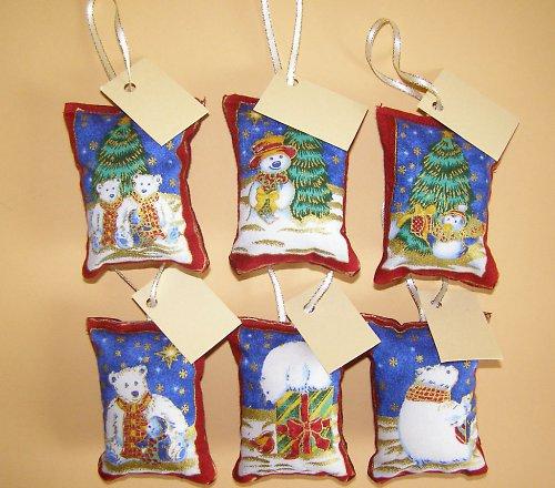 Vánoční jmenovky s medvědy