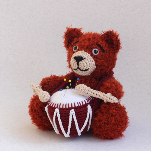 Medvedíček - bubeníček - ihelníček