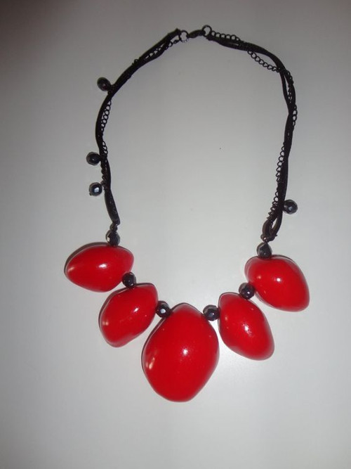 náhrdelník kameny