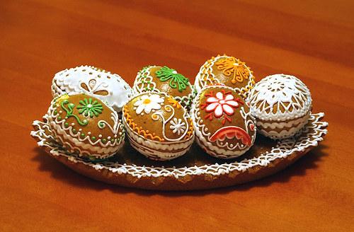 Velikonoční mistička plná 3D perníčků