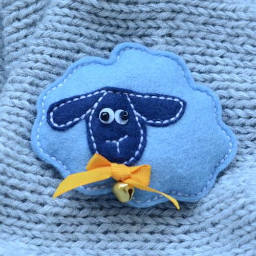 Brož Veselá ovečka s oranžovou mašlí