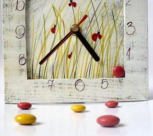 hodiny s kukačkou - po večeři na louce