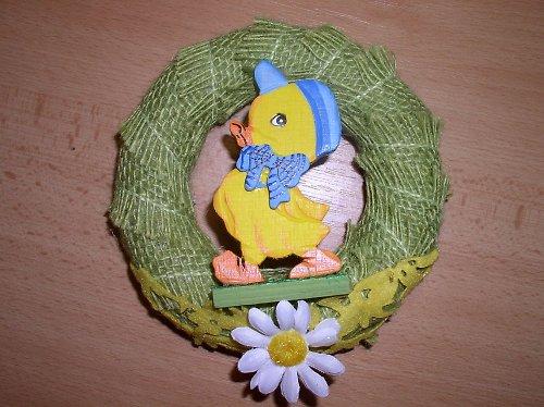 Pozvání jara v dekoru věněčku