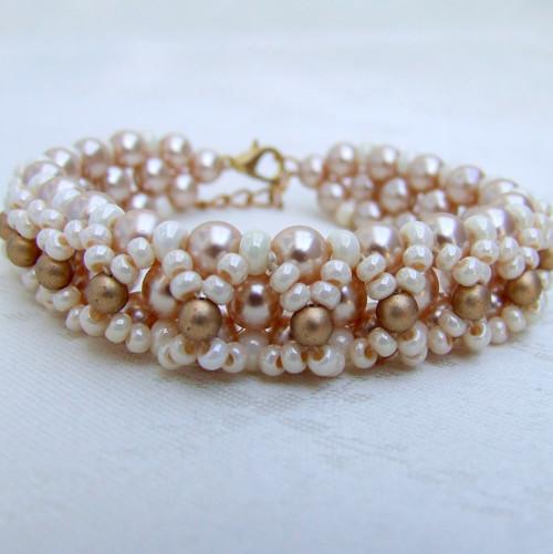 Náramek Biege Pearls
