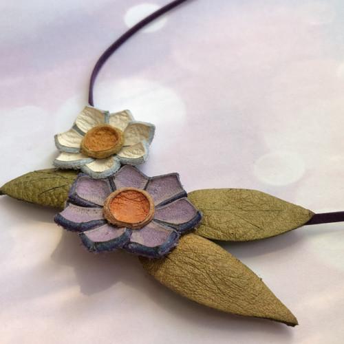 Náhrdelník: Květinová víla - fialová
