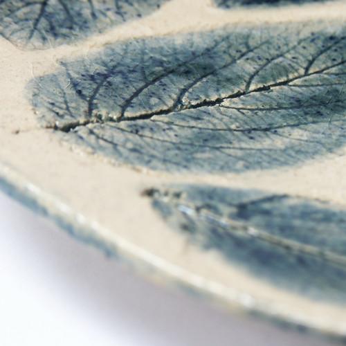 Modré listy - keramický talíř