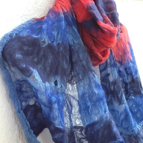 Červeno modrá z Kolekce pavučiny