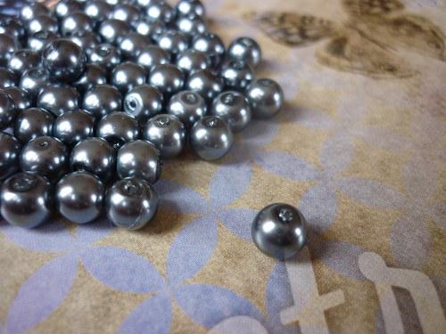 v16 / voskové perly antracitové / 6mm / 15ks
