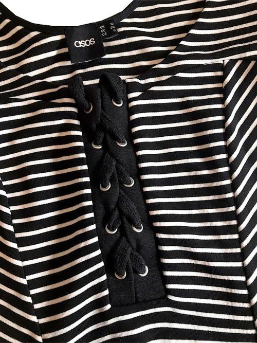 Proužkované elastické šaty