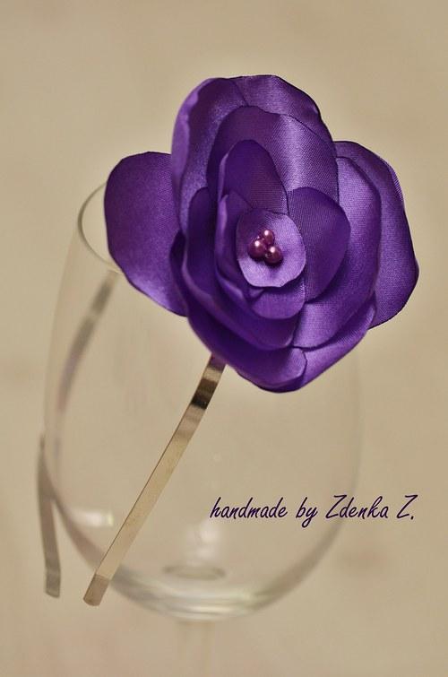 Elegantní fialová čelenka
