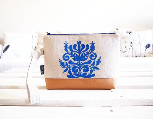 Toaletná taška z ľanovej folk kolekcie