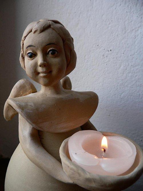Anděl svícen-neglazovaný,25cm