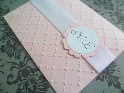 růžové svatební oznámení se vzorem