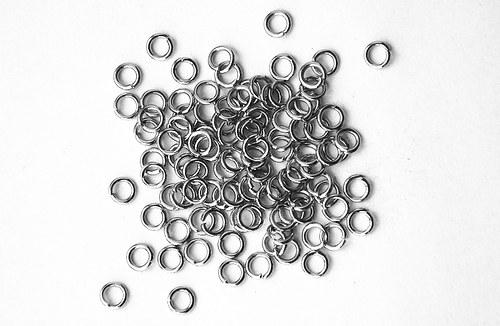 Spojovací kroužky 5mm platina