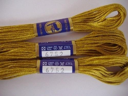 Vyšívací příze mouline - zlatá