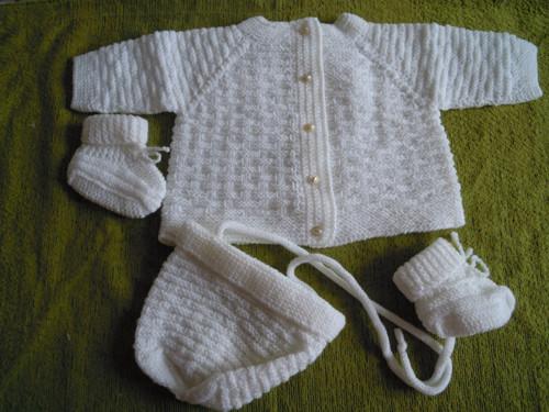 Souprava pletená bílá