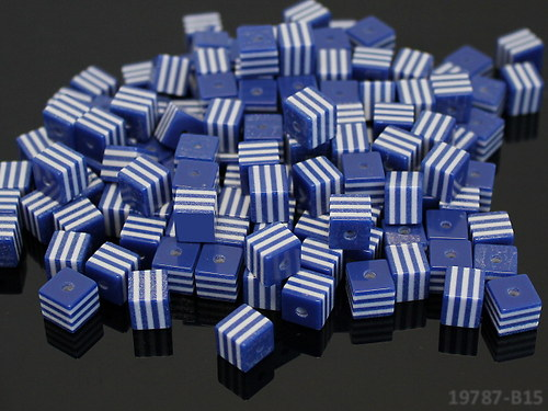 19787-B15 Korálky proužky KOSTKY 8/8 modré -10ks