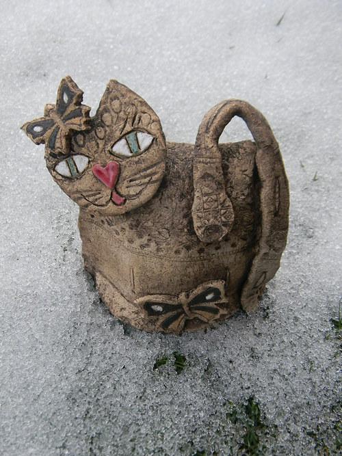 Kočička s motýlkem