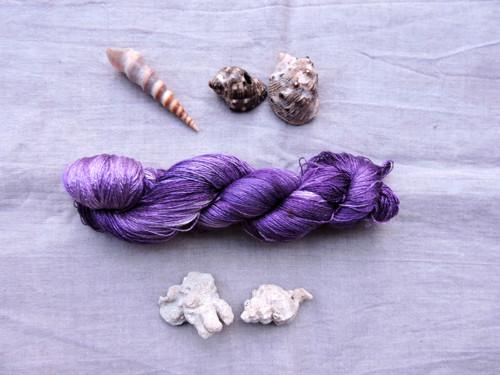 Aubergine LACE- 100% ručně barvené čisté hedvábí