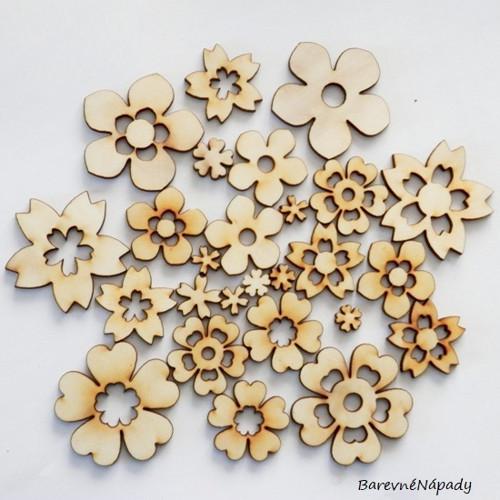 Prořezávané kytičky dřevěné