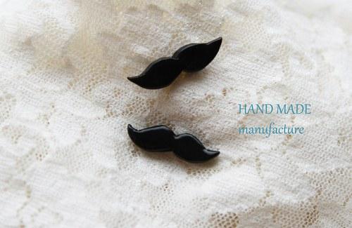 Náušnice Moustage