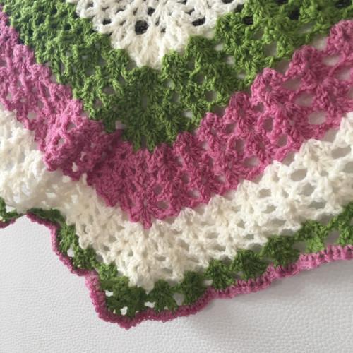 Háčkovaný pléd bílá-zelená- růžová