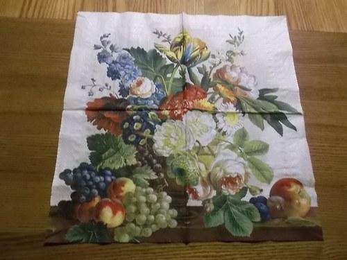 Ubrousek na decoupage - květinovo-ovocné zátiší