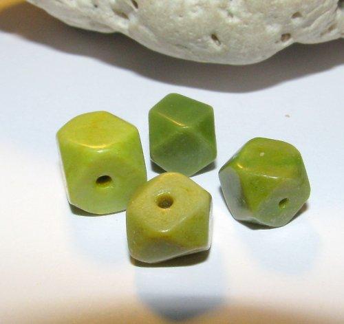 Serpentinit - nepravidelné tvary 9-11 mm