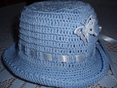 Hačkovaný klobouček s motýlky